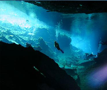 Mergulhador de Caverna